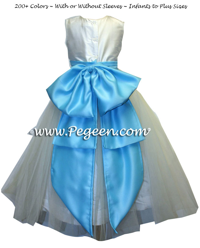 Matching Belsoire Jasmine flower girl dresses in hawaii blue and antique white silk