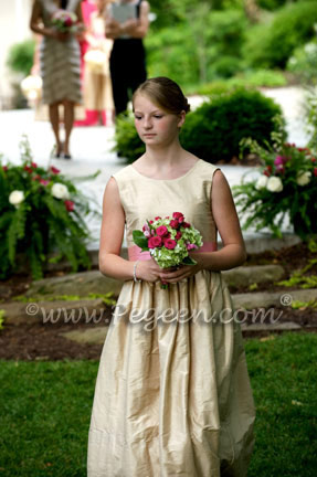 flower girl dresses with garland in tulle dresses
