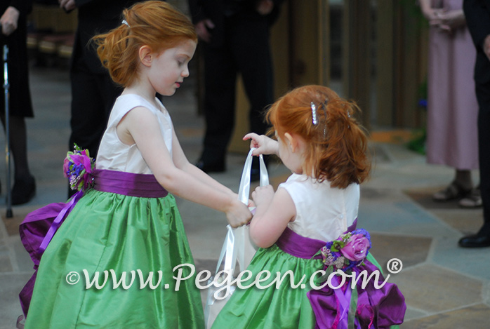 Kelly Green and Thistle flower girl dresses with fresh flowers